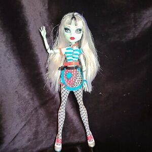 Monster High Doll Frankie Stein Home Ick School Classroom Doll