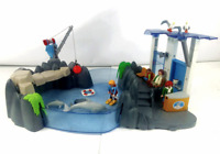 Playmobil 4468 Dolphin Basin Play Set Incomplete 4 Figures and 2 Dolphins