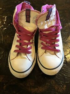 Girls White with Fuchsia/Purple Trim Converse All Star High Top Sneakers Size 3