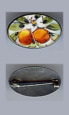 *TINY VINTAGE STERLING SILVER ENAMEL PEACHES PIN BROOCH*