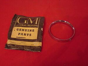 NOS 1962 Oldsmobile Chrome Headlight Bezel Starfire & 88 Olds #584395