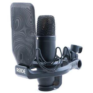 Rode NT1 Cardioid Condenser Microphone MC-5272