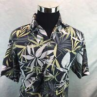 TOMMY BAHAMA  Hawaiian button down shirt size Large J18