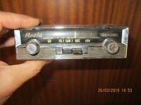 Ancien Petit Autoradio Reela PO GO