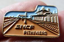 BEAU PIN'S TRANSPORT TRAIN SNCF GARE DE PITHIVIERS