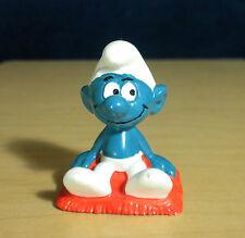 Smurf Sitting on Pillow Cushion Vintage Smurfs Figure PVC Toy Lot Figurine 20085