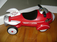 Radio Flyer Retro Rocket Ride On Kids Toy Car With Space Lights And Sounds Red