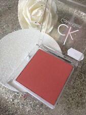 Calvin Klein Fard a joue Pearlescent Pink 5 8g tres Pigmenter longue Tenue