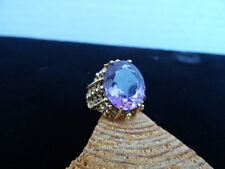 10K. YELLOW GOLD ANTIQUE SYNTHETIC PURPLE AMETHYST RING 4.8 GRAMS 7.00 CTW. SIZE