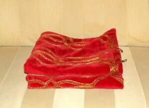 "2 RODEO HOME Christmas Collection 20"" x 20"" Red Velvet Gold Pillow Shams!  Nice!"