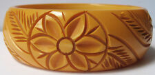 VINTAGE BUTTERSCOTCH BAKELITE CARVED FLOWER BANGLE BRACELET