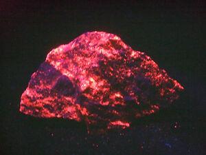 Barytocalcit Manganocalcit 8,6x5,2x2,5cm Rohstein UV-Mineralien-Rohsteine-