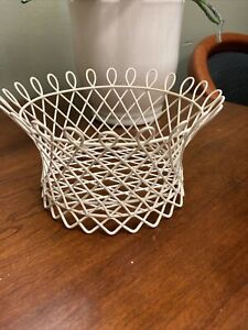 "Vintage Rubber Coated Cream Metal Wire Basket French Country/Cottage-7""x3.5"""