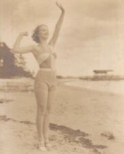 """ bathing  beauty ""-1940s   PIN-UP/CHEESECAKE  model  posed   picture card"