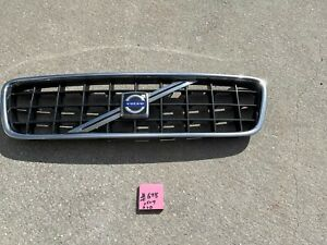 2005-2007 Volvo S60 OEM Front Grille Assembly  #678