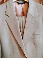 Jos. A. Bank - Pure Wool - 2 button suit 39R - olive - Excellent Condition