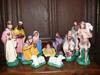über 40 Jahre alte 18er Krippenfiguren Gips 14 teilig König gemarkt A im Dreieck