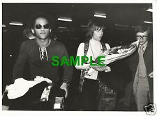ORIGINAL PRESS PHOTO - JANE FONDA WITH MICHAEL HUNTER AT LONDON'S HEATHROW 1971