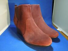 Clarks Women's Wedge Heel Ankle Boots Crystal Quartz Wine Red Suede Size 9.5 M