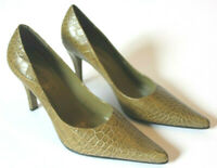 Nine West Green Crocodile Croc Print Heels Pumps Womens Size 8.5 8 1/2 NEW Flaw