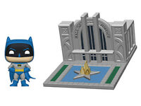 Funko Pop! Town Justice league Batman 80th  Hall of Justice With Batman NEW!
