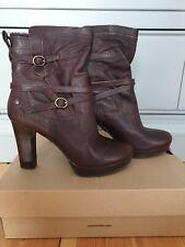 UGG Australia Olivia Dark Brown Heel Buckle Boots Leather In Box Sheepskin Lined