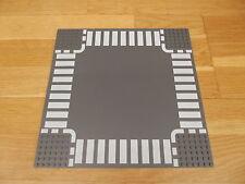 Lego 32 x 32 Dark Bluish Grey Baseboard Plate Crossroad White Dashed Lines 44343