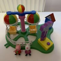 Peppa Pig Balloon Ride Playset - Includes two figures - Peppa and Suzy
