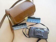 Vintage Minolta Freedom AF 35 film camera / flash cubes and case