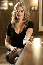 Jeri Ryan Unsigned 8x12 Photo (33)