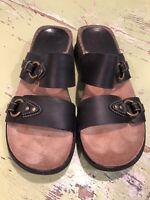 Super Cute Clarks Black Sandals Slip On size 7M