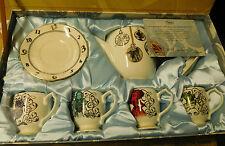 Disney Alice Wunderland Hinter den Spiegeln Teeset mit Tassen Teekanne Teetasse