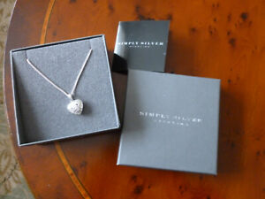 Beautiful Simply Silver necklace with a Filligree heart pendant