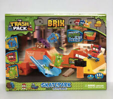The Trash Pack Skate Park Glow in the Dark SET #6252 331 Pcs Brix & 3 Figures