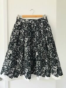 WHITE HOUSE BLACK MARKET Size 4 Flared Double Lined Pleated Black & White Skirt
