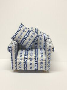 DOLLS HOUSE 1/12 SCALE BLUE AND WHITE FLORAL STRIPED ARM CHAIR