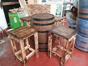 Barrel With 4 Stools