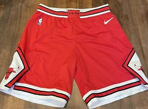 Men's Authentic Team Issue Nike Chicago Bulls Game Shorts Size 40 (XL) New Red