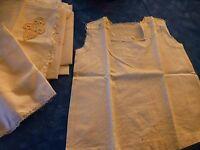 vintage ,lot= couturiére ,chemisette bébé,poupée a terminer +tissus blancs  neuf