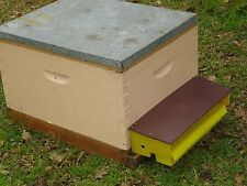 Aus seller-NEW easy plastic bee hive pollen trap collector-simple removable tray