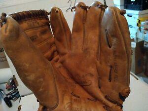 Vintage Mickey Mantle Rawlings - MM5 Model Baseball Glove - USA made RH