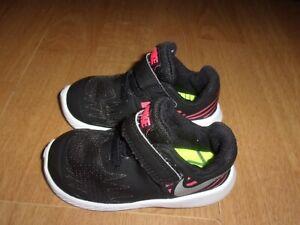Nike Star Runner Black & Pink toddler girls trainers size 4.5