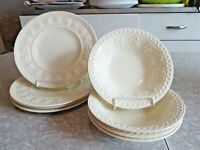 WEDGWOOD of ETRURIA & BARLASTON 8 PC DINNERWARE SET in WELLESELY FRUIT PATTERN