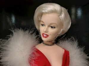 * Marilyn Monroe * World Doll One Year Only - 1st in Celebrity Series 1983 w/COA