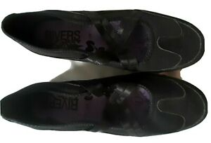 Ladies Rivers Danni shoes size 41 black  like new casual walking non leather