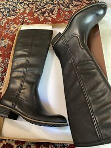 New in Box COLDWATER CREEK Lug Sole Riding Style Boots Size 7.5M Color Black