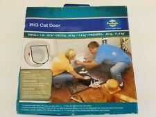 PetSafe Big Cat Door (Up to 25 Pounds) Hpa11-110888