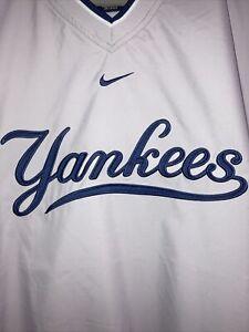 NWOT Nike MLB NY Yankees Light Gray Pullover Windbreaker Jacket Size 2XL