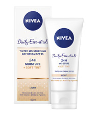 Nivea Daily Essentials Tinted Moisturising Day Cream Light SPF 15 (50ml)