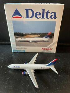 Delta Airlines Boeing 737-800 Herpa Wings 1:500 Diecast Model Airplane